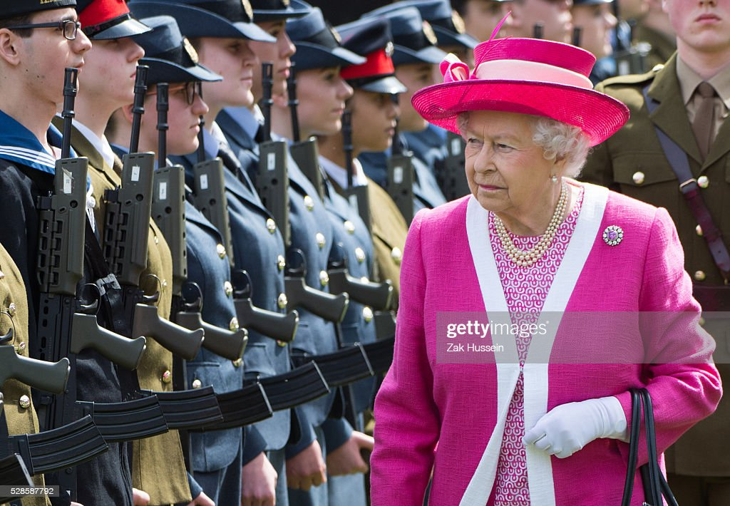 Queen <a gi-track='captionPersonalityLinkClicked' href=/galleries/search?phrase=Elizabeth+II&family=editorial&specificpeople=67226 ng-click='$event.stopPropagation()'>Elizabeth II</a> inspects a Guard of Honour at Berkhamsted School which celebrates its 475th anniversary this year on May 6, 2016 in Berkhamsted, England.