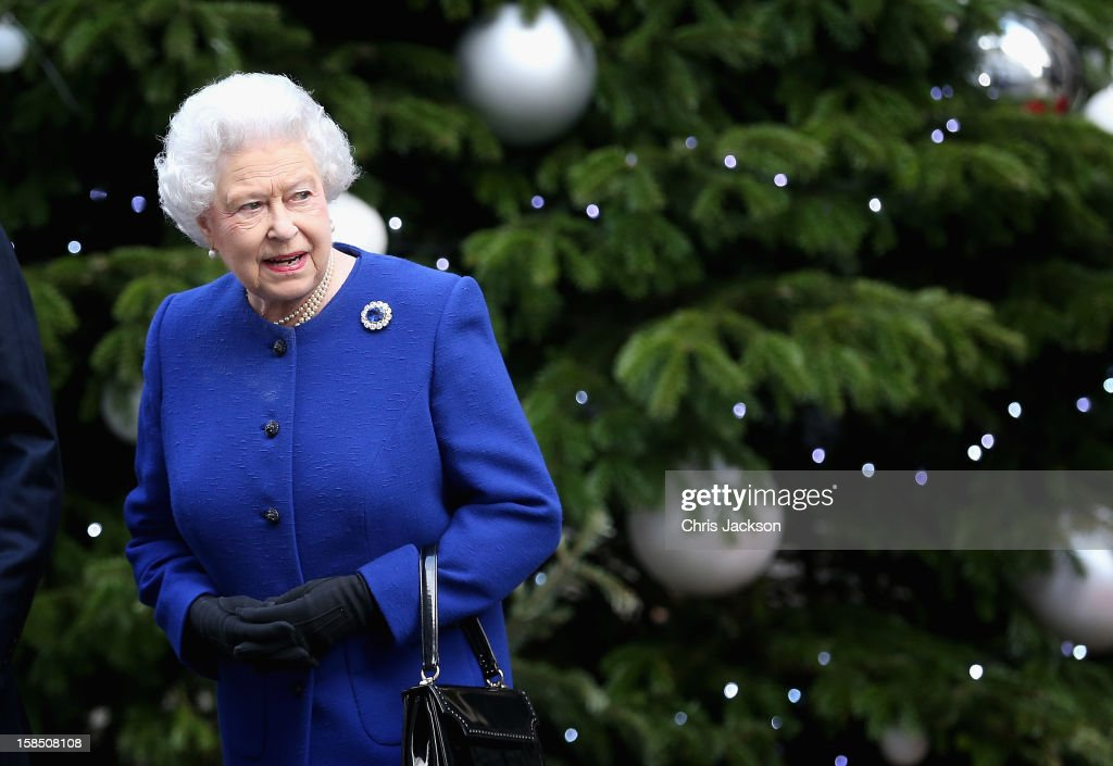 Queen <a gi-track='captionPersonalityLinkClicked' href=/galleries/search?phrase=Elizabeth+II&family=editorial&specificpeople=67226 ng-click='$event.stopPropagation()'>Elizabeth II</a> leaves Number 10 Downing Street after attending the Government's weekly Cabinet meetingon December 18, 2012 in London, England.