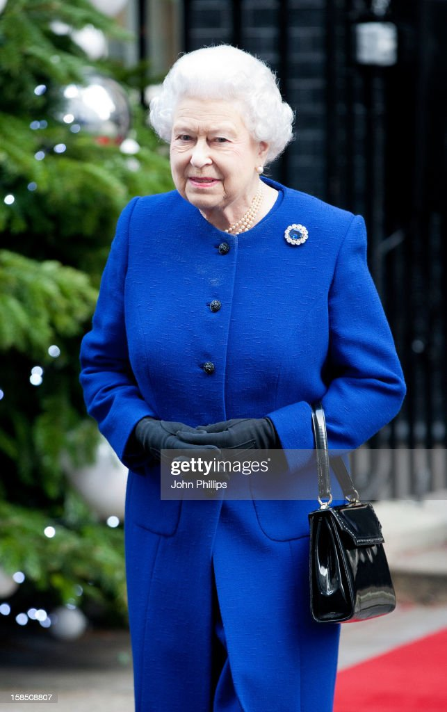 Queen <a gi-track='captionPersonalityLinkClicked' href=/galleries/search?phrase=Elizabeth+II&family=editorial&specificpeople=67226 ng-click='$event.stopPropagation()'>Elizabeth II</a> leaves Number 10 Downing Street after attending the Government's weekly Cabinet meeting on December 18, 2012 in London