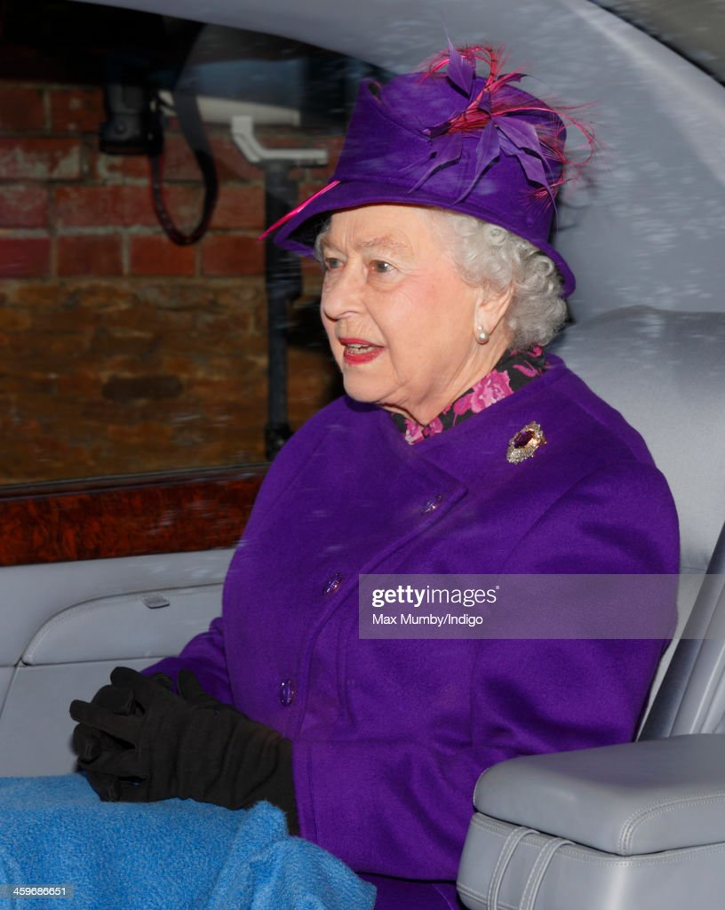Queen <a gi-track='captionPersonalityLinkClicked' href=/galleries/search?phrase=Elizabeth+II&family=editorial&specificpeople=67226 ng-click='$event.stopPropagation()'>Elizabeth II</a> leaves St. Mary Magdalene Church, Sandringham after attending Sunday service on December 29, 2013 near King's Lynn, England.