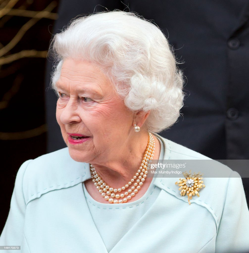 Queen <a gi-track='captionPersonalityLinkClicked' href=/galleries/search?phrase=Elizabeth+II&family=editorial&specificpeople=67226 ng-click='$event.stopPropagation()'>Elizabeth II</a> leaves the Goring Hotel after attending a Christmas Lunch for her close members of staff on December 03, 2012 in London, England.