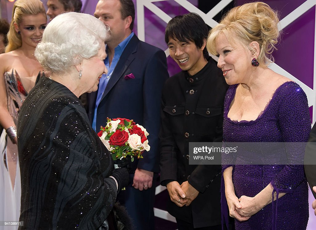 Queen <a gi-track='captionPersonalityLinkClicked' href=/galleries/search?phrase=Elizabeth+II&family=editorial&specificpeople=67226 ng-click='$event.stopPropagation()'>Elizabeth II</a> meets singer <a gi-track='captionPersonalityLinkClicked' href=/galleries/search?phrase=Bette+Midler&family=editorial&specificpeople=201551 ng-click='$event.stopPropagation()'>Bette Midler</a> following the Royal Variety Performance on December 7, 2009 in Blackpool, England
