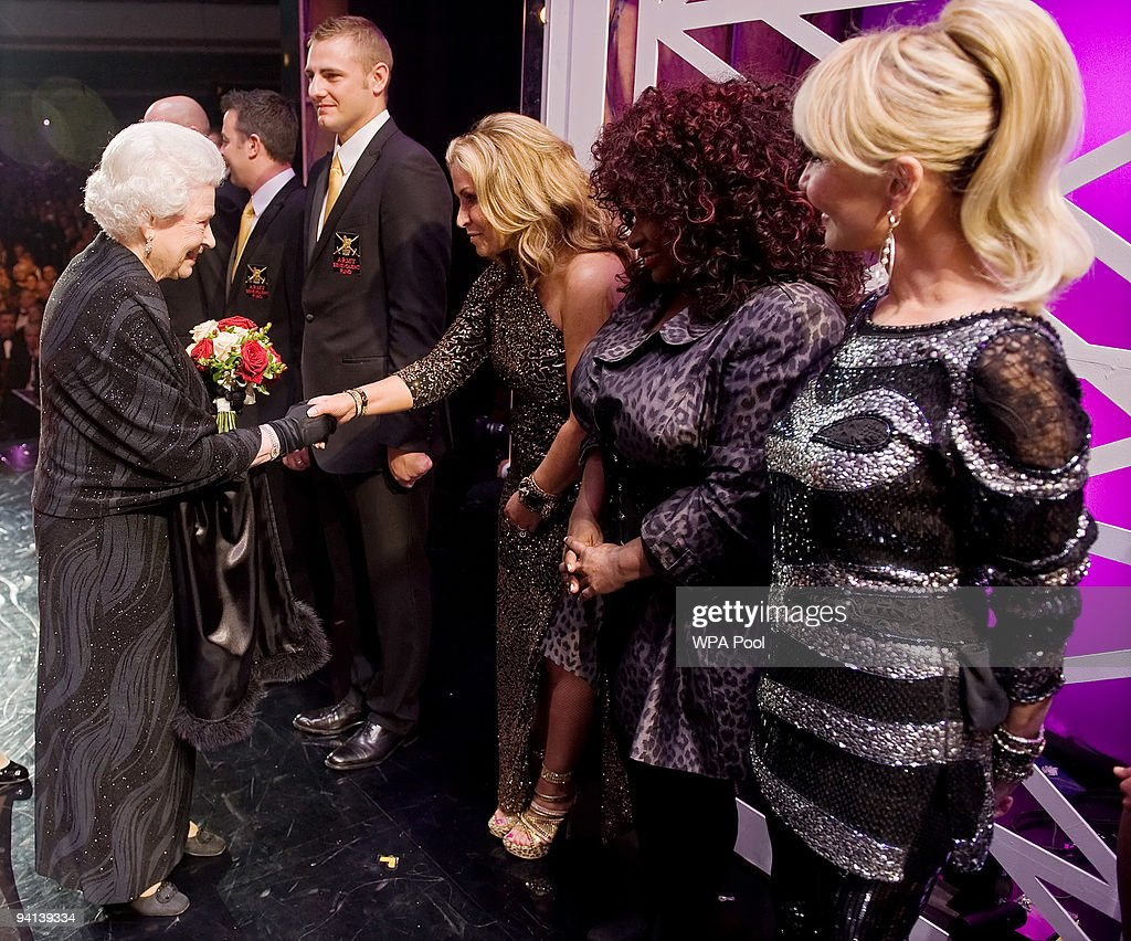 Queen <a gi-track='captionPersonalityLinkClicked' href=/galleries/search?phrase=Elizabeth+II&family=editorial&specificpeople=67226 ng-click='$event.stopPropagation()'>Elizabeth II</a> meets singers Anastasia (C), <a gi-track='captionPersonalityLinkClicked' href=/galleries/search?phrase=Chaka+Khan&family=editorial&specificpeople=208691 ng-click='$event.stopPropagation()'>Chaka Khan</a> (2ndR) and Lulu (R) following the Royal Variety Performance on December 7, 2009 in Blackpool, England
