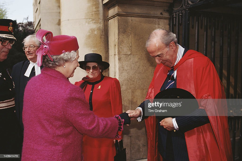 Queen <a gi-track='captionPersonalityLinkClicked' href=/galleries/search?phrase=Elizabeth+II&family=editorial&specificpeople=67226 ng-click='$event.stopPropagation()'>Elizabeth II</a> meets Sir Norman St John-Stevas, Master of the College, during a visit to Emmanuel College, Cambridge, 19th April 1995.