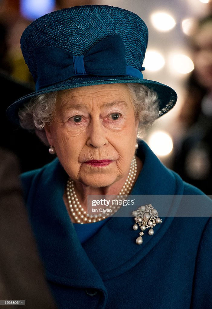 Queen <a gi-track='captionPersonalityLinkClicked' href=/galleries/search?phrase=Elizabeth+II&family=editorial&specificpeople=67226 ng-click='$event.stopPropagation()'>Elizabeth II</a> meets with guests during her visit to the Royal Commonwealth Society on November 14, 2012 in London, England.