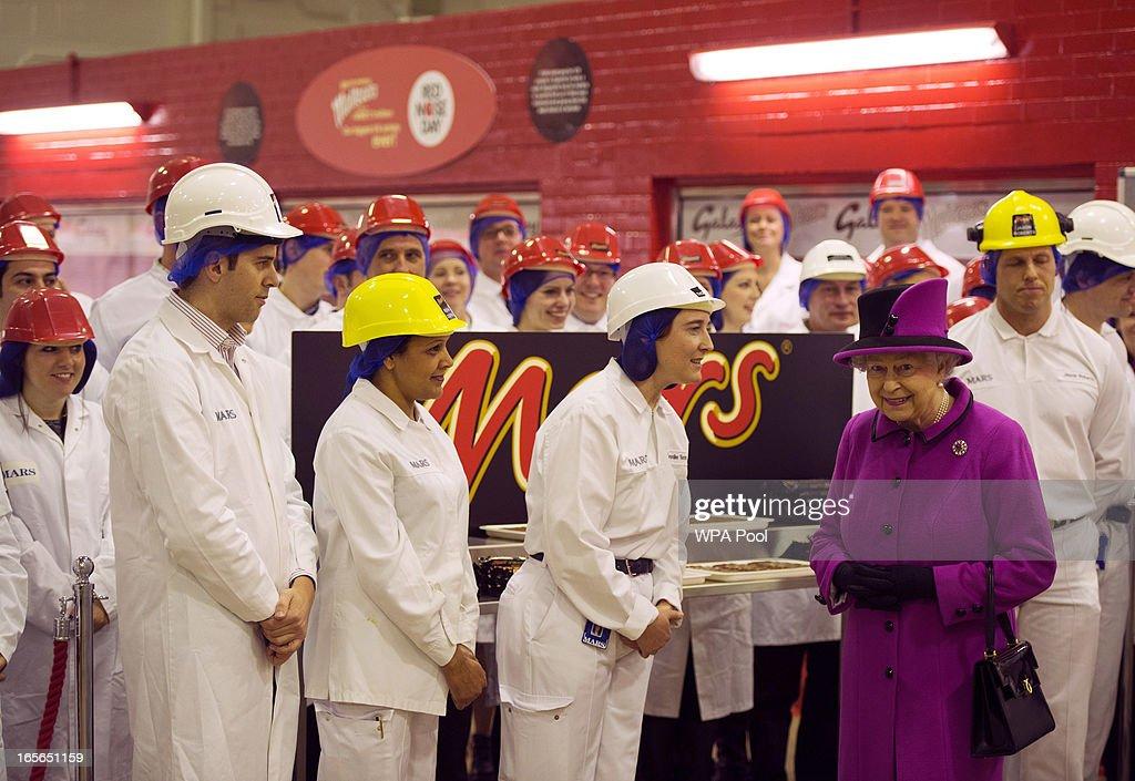 Queen Elizabeth II Visits Mars Chocolate   Getty Images
