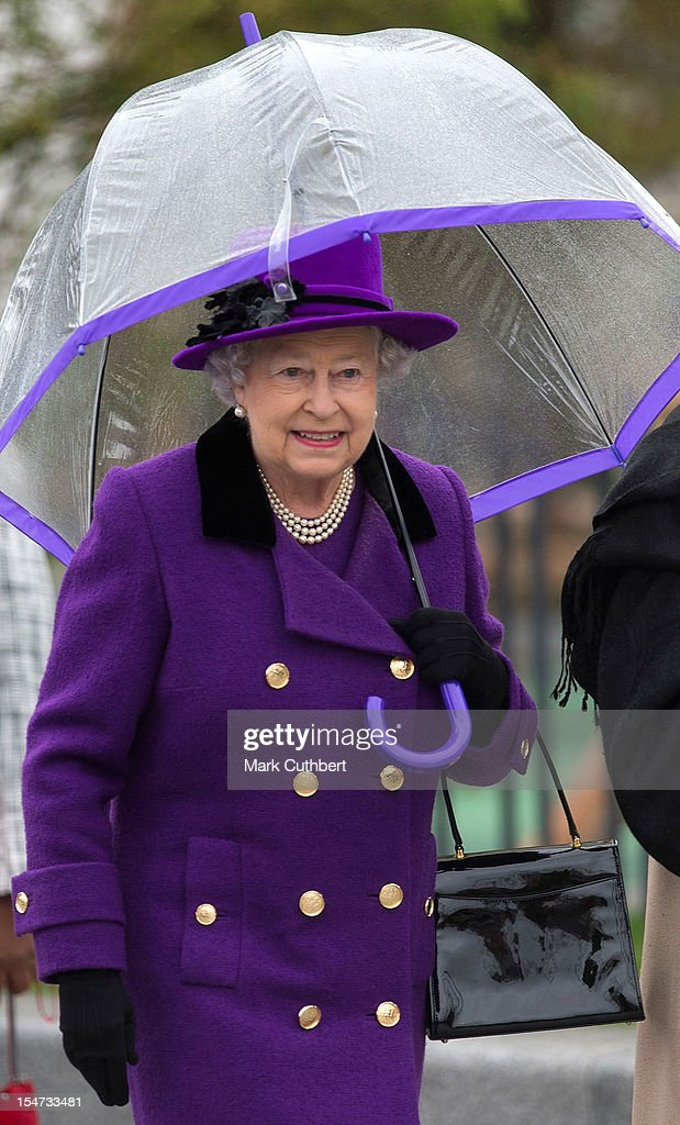 Queen <a gi-track='captionPersonalityLinkClicked' href=/galleries/search?phrase=Elizabeth+II&family=editorial&specificpeople=67226 ng-click='$event.stopPropagation()'>Elizabeth II</a> opens The Newly Developed Jubilee Gardens on October 25, 2012 in London, England.
