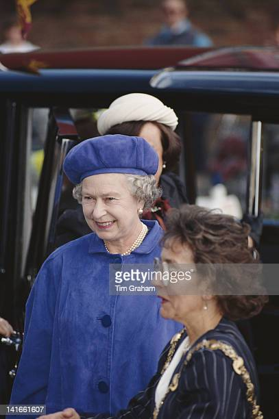 Queen Elizabeth II opens the Rotherhithe Youth Hostel in Southwark London 24th March 1993