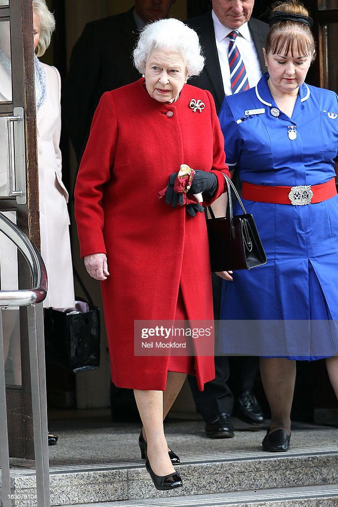 Queen <a gi-track='captionPersonalityLinkClicked' href=/galleries/search?phrase=Elizabeth+II&family=editorial&specificpeople=67226 ng-click='$event.stopPropagation()'>Elizabeth II</a> seen leaving hospital on March 4, 2013 in London, England.