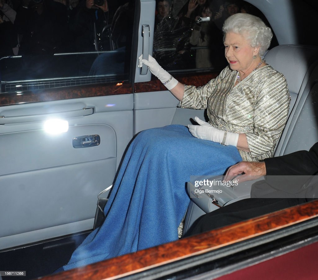 Queen <a gi-track='captionPersonalityLinkClicked' href=/galleries/search?phrase=Elizabeth+II&family=editorial&specificpeople=67226 ng-click='$event.stopPropagation()'>Elizabeth II</a> sighting on November 19, 2012 in London, England.