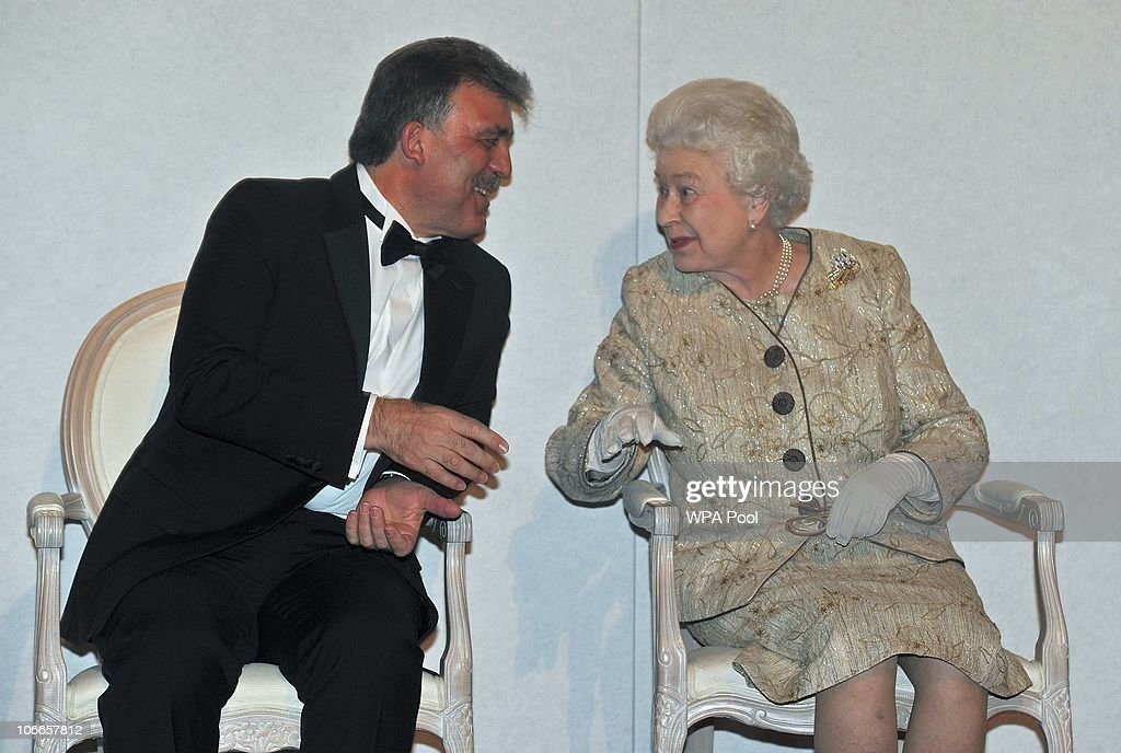 Queen <a gi-track='captionPersonalityLinkClicked' href=/galleries/search?phrase=Elizabeth+II&family=editorial&specificpeople=67226 ng-click='$event.stopPropagation()'>Elizabeth II</a> speaks with President of Turkey, <a gi-track='captionPersonalityLinkClicked' href=/galleries/search?phrase=Abdullah+Gul&family=editorial&specificpeople=539775 ng-click='$event.stopPropagation()'>Abdullah Gul</a> during a ceremony and reception in Whitehall on November 9, 2010 in London, England. Queen Elizabeth presented the President with the Chatham House Prize, which is annually presented to the statesperson deemed by members of the Royal Institute of International Affairs at Chatham House to have made the most significant contribution to the improvement of international relations in the previous year.