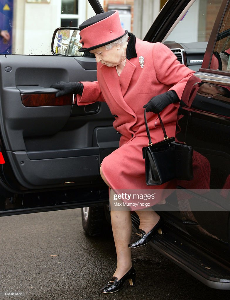 Queen <a gi-track='captionPersonalityLinkClicked' href=/galleries/search?phrase=Elizabeth+II&family=editorial&specificpeople=67226 ng-click='$event.stopPropagation()'>Elizabeth II</a> steps out of a Range Rover as she arrives at the Dubai Duty Free Race Day at Newbury Racecourse on April 20, 2012 in Newbury, England.
