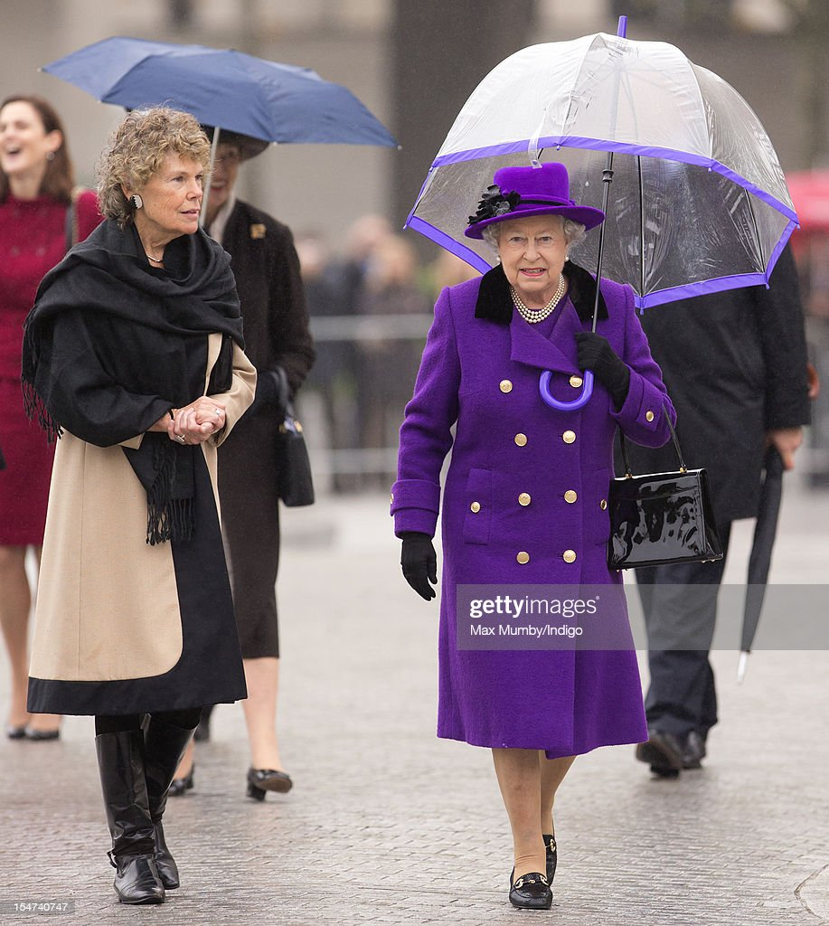 Queen <a gi-track='captionPersonalityLinkClicked' href=/galleries/search?phrase=Elizabeth+II&family=editorial&specificpeople=67226 ng-click='$event.stopPropagation()'>Elizabeth II</a> talks with Kate Hoey (L), Member of Parliament for Vauxhall, as she attends the opening of the newly developed Jubilee Gardens on October 25, 2012 in London, England.