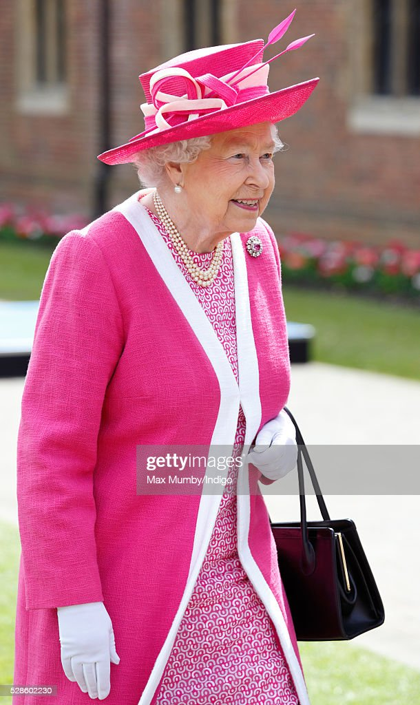 Queen <a gi-track='captionPersonalityLinkClicked' href=/galleries/search?phrase=Elizabeth+II&family=editorial&specificpeople=67226 ng-click='$event.stopPropagation()'>Elizabeth II</a> visits Berkhamsted School on the occasion of the 475th Anniversary of its foundation on May 6, 2016 in Berkhamsted, England.
