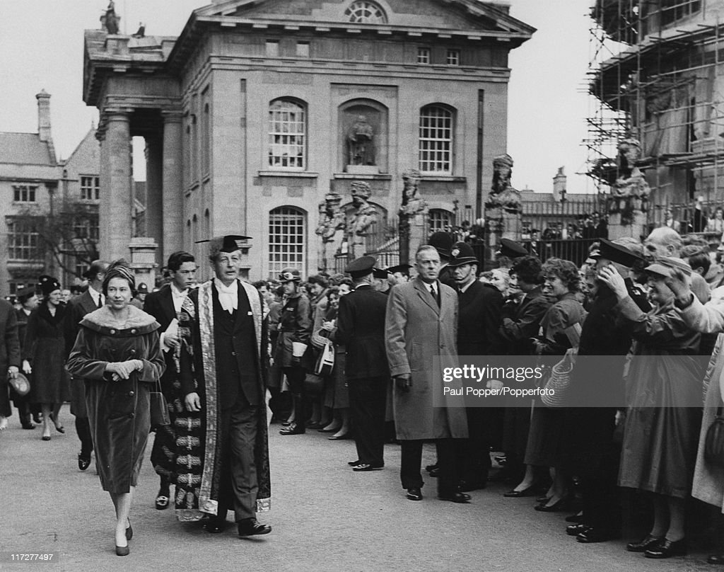 Queen <a gi-track='captionPersonalityLinkClicked' href=/galleries/search?phrase=Elizabeth+II&family=editorial&specificpeople=67226 ng-click='$event.stopPropagation()'>Elizabeth II</a> visits British Prime Minister <a gi-track='captionPersonalityLinkClicked' href=/galleries/search?phrase=Harold+Macmillan&family=editorial&specificpeople=201465 ng-click='$event.stopPropagation()'>Harold Macmillan</a> (1894 - 1986), Chancellor of Oxford University, in Oxford, 4th November 1960. They are on their way to Trinity College. Prince Philip, Duke of Edinburgh, accompanies the Queen.
