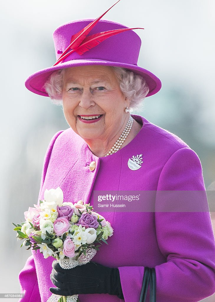 Queen <a gi-track='captionPersonalityLinkClicked' href=/galleries/search?phrase=Elizabeth+II&family=editorial&specificpeople=67226 ng-click='$event.stopPropagation()'>Elizabeth II</a> visits HMS Ocean on March 20, 2015 in Plymouth, England.