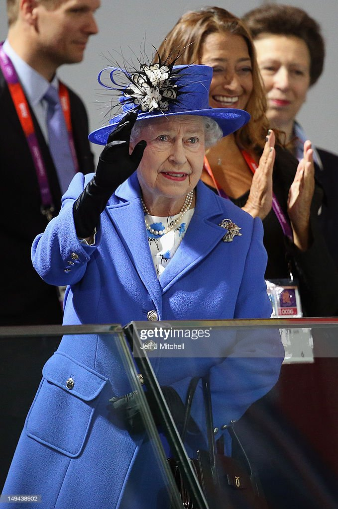 Queen <a gi-track='captionPersonalityLinkClicked' href=/galleries/search?phrase=Elizabeth+II&family=editorial&specificpeople=67226 ng-click='$event.stopPropagation()'>Elizabeth II</a> visits the Aquatics Centre on day one of the London 2012 Olympic Games at the Olympic Park on July 28, 2012 in London, England.