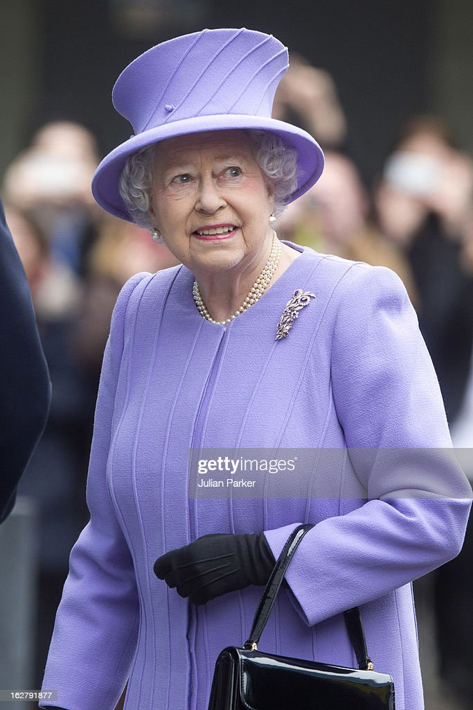 Queen <a gi-track='captionPersonalityLinkClicked' href=/galleries/search?phrase=Elizabeth+II&family=editorial&specificpeople=67226 ng-click='$event.stopPropagation()'>Elizabeth II</a> visits the National centre for Bowel Cancer research, and surgical Innovation, after opening the new Royal London Hospital building, on February 27, 2013 in London, England.