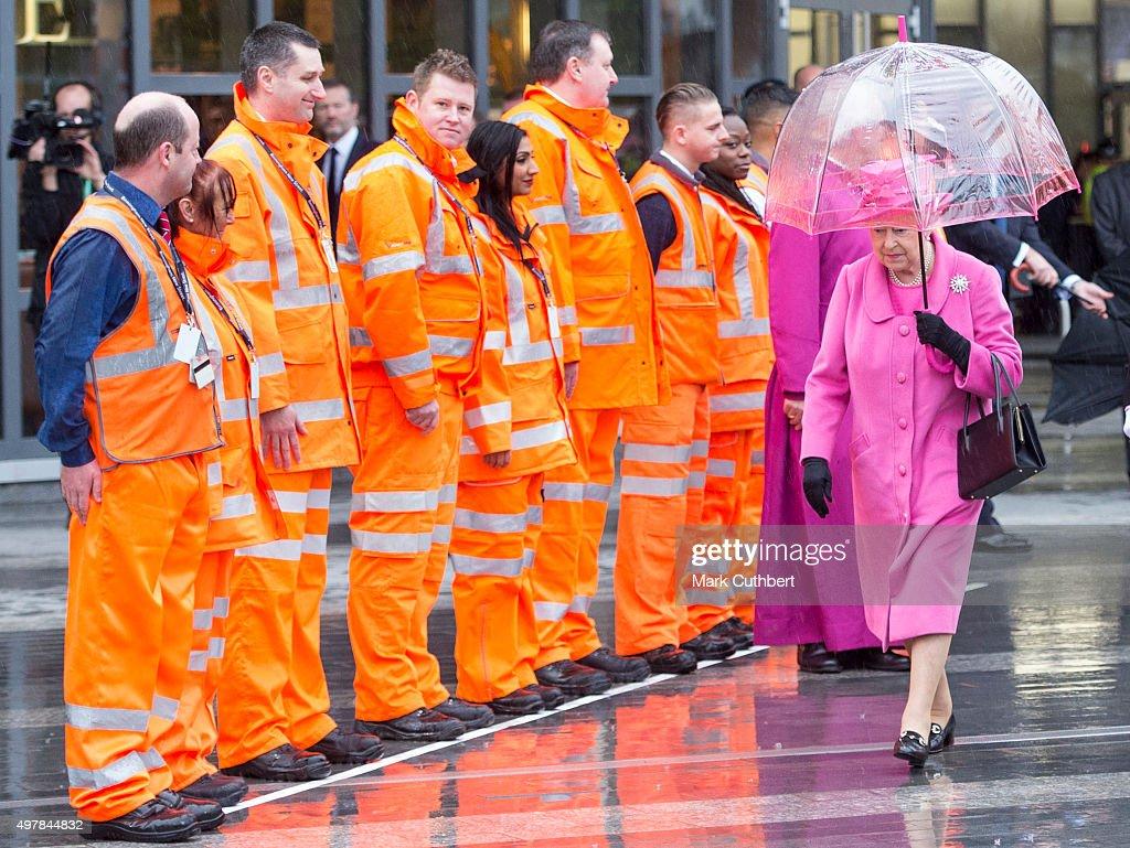 Queen Elizabeth II visits the recently reopened Birmingham New Street Station on November 19, 2015 in Birmingham, England.