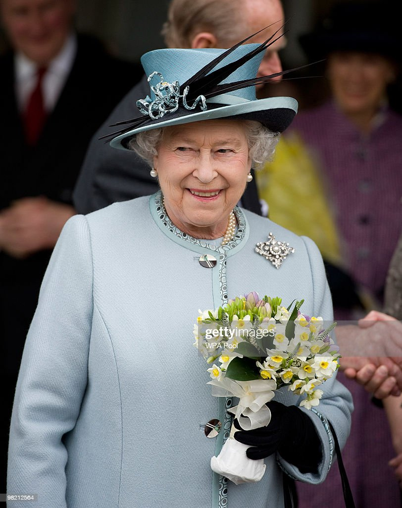 Queen <a gi-track='captionPersonalityLinkClicked' href=/galleries/search?phrase=Elizabeth+II&family=editorial&specificpeople=67226 ng-click='$event.stopPropagation()'>Elizabeth II</a> visits the Royal Derby Hospital to offically open it on April 1, 2010 in Derby, England.