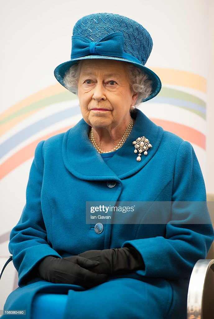 Queen <a gi-track='captionPersonalityLinkClicked' href=/galleries/search?phrase=Elizabeth+II&family=editorial&specificpeople=67226 ng-click='$event.stopPropagation()'>Elizabeth II</a> watches a presentation during her visit to the Royal Commonwealth Society on November 14, 2012 in London, England.
