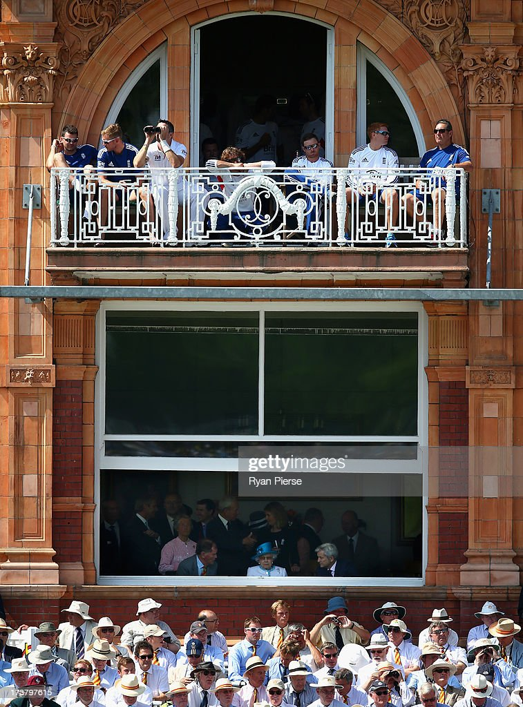 Queen <a gi-track='captionPersonalityLinkClicked' href=/galleries/search?phrase=Elizabeth+II&family=editorial&specificpeople=67226 ng-click='$event.stopPropagation()'>Elizabeth II</a> watches play during day one of the 2nd Investec Ashes Test match between England and Australia at Lord's Cricket Ground on July 18, 2013 in London, England.