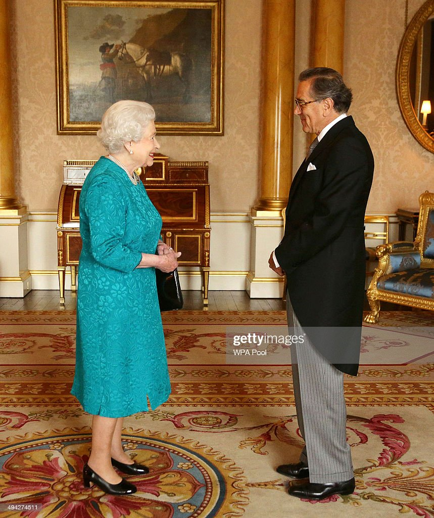Queen Elizabeth II welcomes His Excellency Mr Nestor Osorio Londono from the Republic of Colombia during an audience where he presented the Letters of Recall of his predecessor and his own Letters of Credence as Ambassador at Buckingham Palace on May 29, 2014 in London, England.
