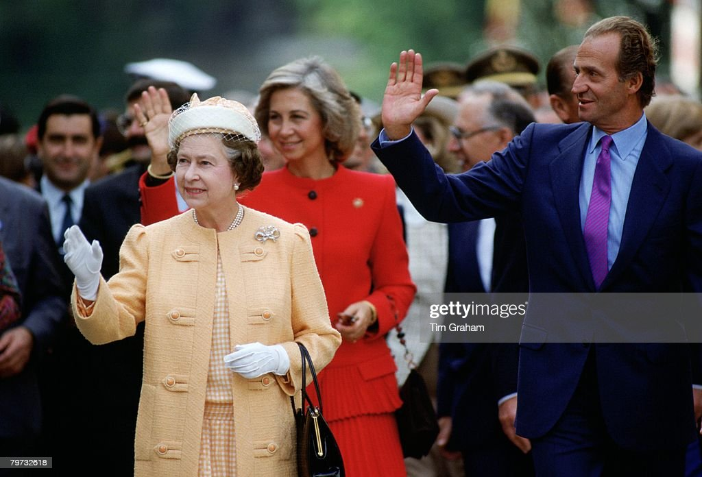 Queen <a gi-track='captionPersonalityLinkClicked' href=/galleries/search?phrase=Elizabeth+II&family=editorial&specificpeople=67226 ng-click='$event.stopPropagation()'>Elizabeth II</a> with King Juan Carlos of Spain and his wife, Queen Sofia in Seville, Spain