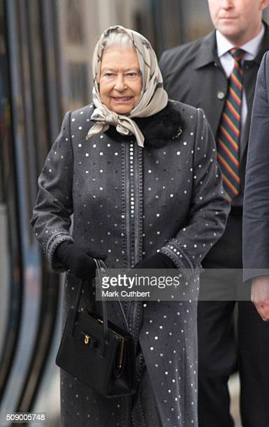 Queen Elizabeth lI boards a train back to London after her Christmas break in Sandringham at King's Lynn Station on February 8 2016 in King's Lynn...