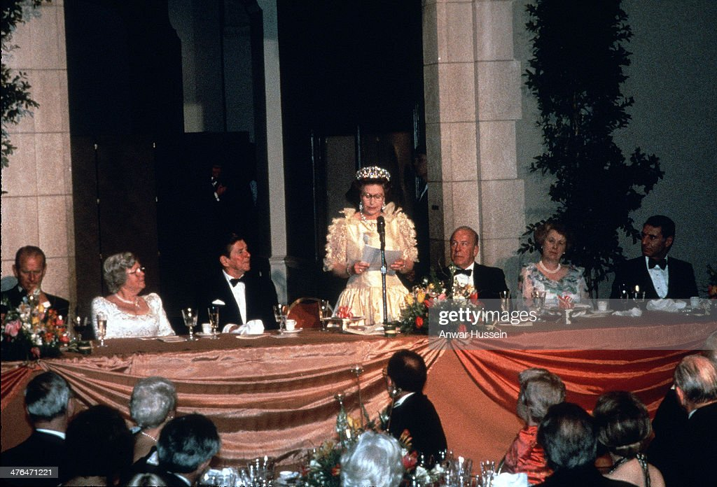 Queen Elizabeth ll delivers a speech watched by President Ronald Reagan at a banquet during the Queen's official visit to the US on March 03, 1983 in San Francisco, California.