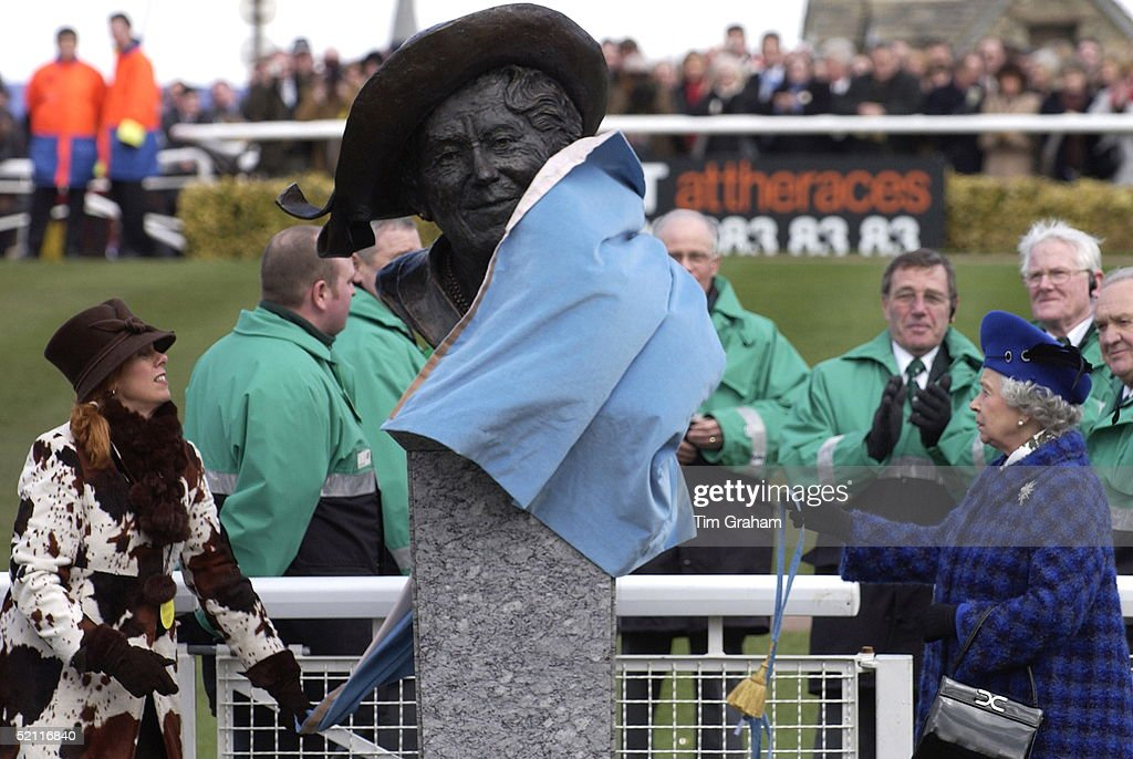 Queen Elizabeth Ll Unveiling A Bronze Bust Of Her Mother On Gold Cup Day At The Cheltenham National Hunt Festival. The Queen Mother Loved The Racing At Cheltenham And Attended The Festival For Many Years.