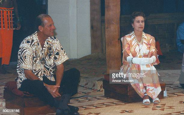 Queen Elizabeth ll wears a bone necklace during a tour of the South Pacific on October 27 1982 in Tuvalu Pacific Islands