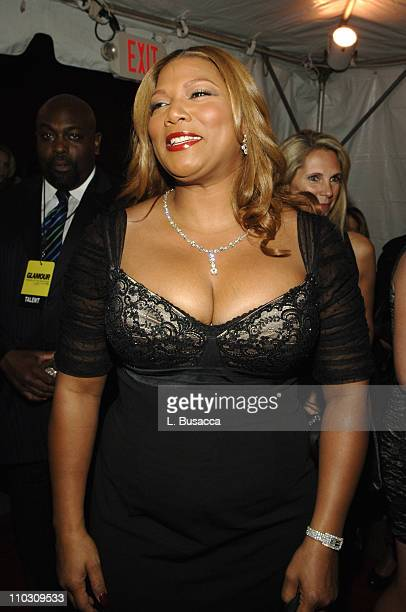 Queen Latifah during Glamour Magazine Honors The 2006 'Women of The Year' Red Carpet at Carnegie Hall in New York City New York United States