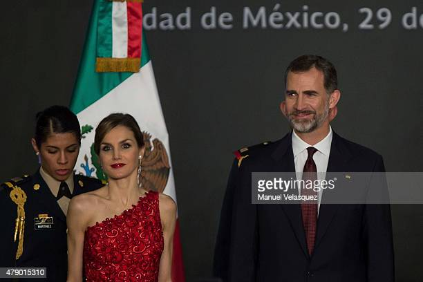 Queen Letizia and King Felipe VI of Spain attend a dinner given by Mexican President Enrique Peña Nieto and his wife First Lady Angelica Rivera at...