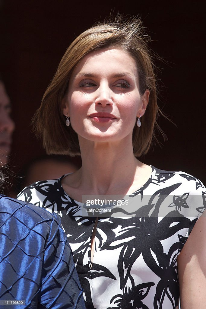 Queen Letizia during a visit to the Universidad Nacional Autonoma, on May 26, 2015 in Tegucigalpa Honduras. Queen Letizia started a two-day visit to Honduras to supervise Spanish cooperation programs in the country.