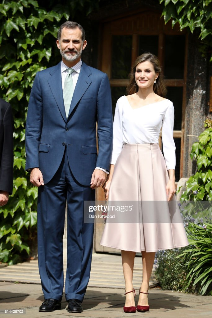 Queen Letizia of Spain and King Felipe of Spain visit Exeter College during their State visit to the UK on July 14, 2017 in Oxford, England. This is the first state visit by the current King Felipe and Queen Letizia, the last being in 1986 with King Juan Carlos and Queen Sofia.