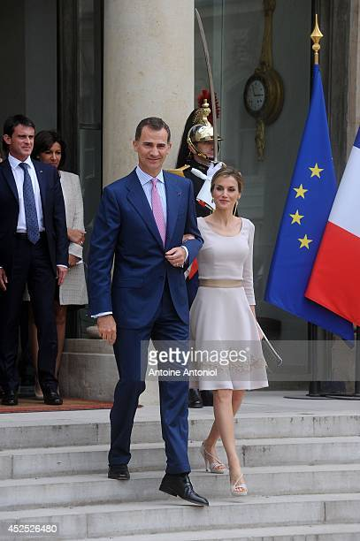 Queen Letizia of Spain and King Felipe VI of Spain leaves the the Elysee Palace on July 22 2014 in Paris France King Felipe VI and Queen Letizia of...