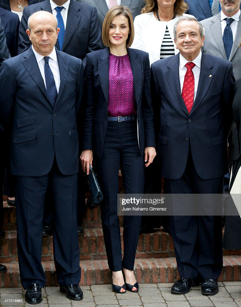Queen <a gi-track='captionPersonalityLinkClicked' href=/galleries/search?phrase=Letizia+of+Spain&family=editorial&specificpeople=158373 ng-click='$event.stopPropagation()'>Letizia of Spain</a> (C) and Minister of Education, Culture and Sports <a gi-track='captionPersonalityLinkClicked' href=/galleries/search?phrase=Jose+Ignacio+Wert&family=editorial&specificpeople=8761709 ng-click='$event.stopPropagation()'>Jose Ignacio Wert</a> (L) attend a meeting with the Patronato of the Student Residence Foundation at the Students Residence on June 15, 2015 in Madrid, Spain.