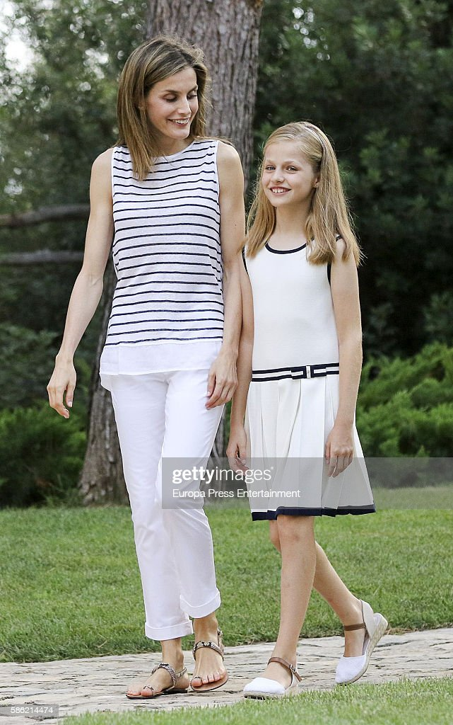 Queen Letizia of Spain and Princess Leonor pose for the photographers at the Marivent Palace on August 4, 2016 in Palma de Mallorca, Spain.