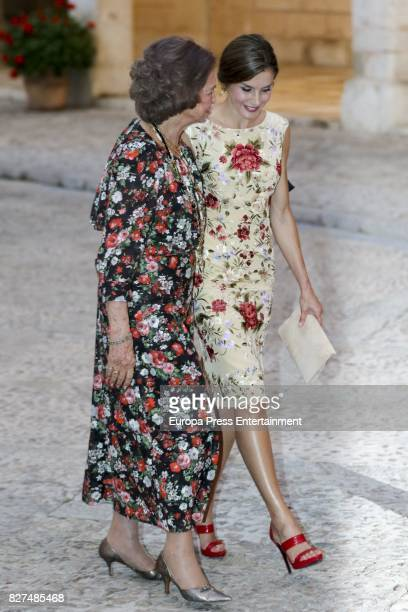 Queen Letizia of Spain and Queen Sofia host a dinner for authorities at the Almudaina Palace on August 4 2017 in Palma de Mallorca Spain