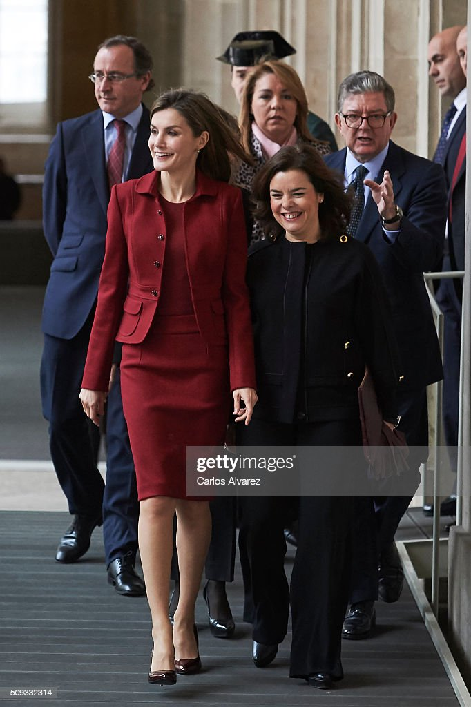 Queen <a gi-track='captionPersonalityLinkClicked' href=/galleries/search?phrase=Letizia+of+Spain&family=editorial&specificpeople=158373 ng-click='$event.stopPropagation()'>Letizia of Spain</a> (L) and Spanish Vice President <a gi-track='captionPersonalityLinkClicked' href=/galleries/search?phrase=Soraya+Saenz+de+Santamaria&family=editorial&specificpeople=5131705 ng-click='$event.stopPropagation()'>Soraya Saenz de Santamaria</a> (R) visit the Royal Palace on February 10, 2016 in Madrid, Spain.