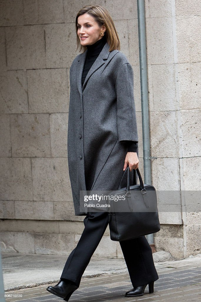 Queen <a gi-track='captionPersonalityLinkClicked' href=/galleries/search?phrase=Letizia+of+Spain&family=editorial&specificpeople=158373 ng-click='$event.stopPropagation()'>Letizia of Spain</a> arrives to a meeting at the Spanish Association Against Cancer (AECC) on January 22, 2016 in Madrid, Spain.