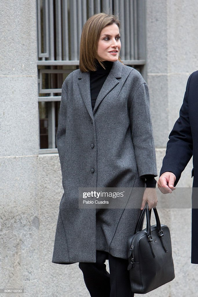 Queen Letizia of Spain arrives to a meeting at the Spanish Association Against Cancer (AECC) on January 22, 2016 in Madrid, Spain.