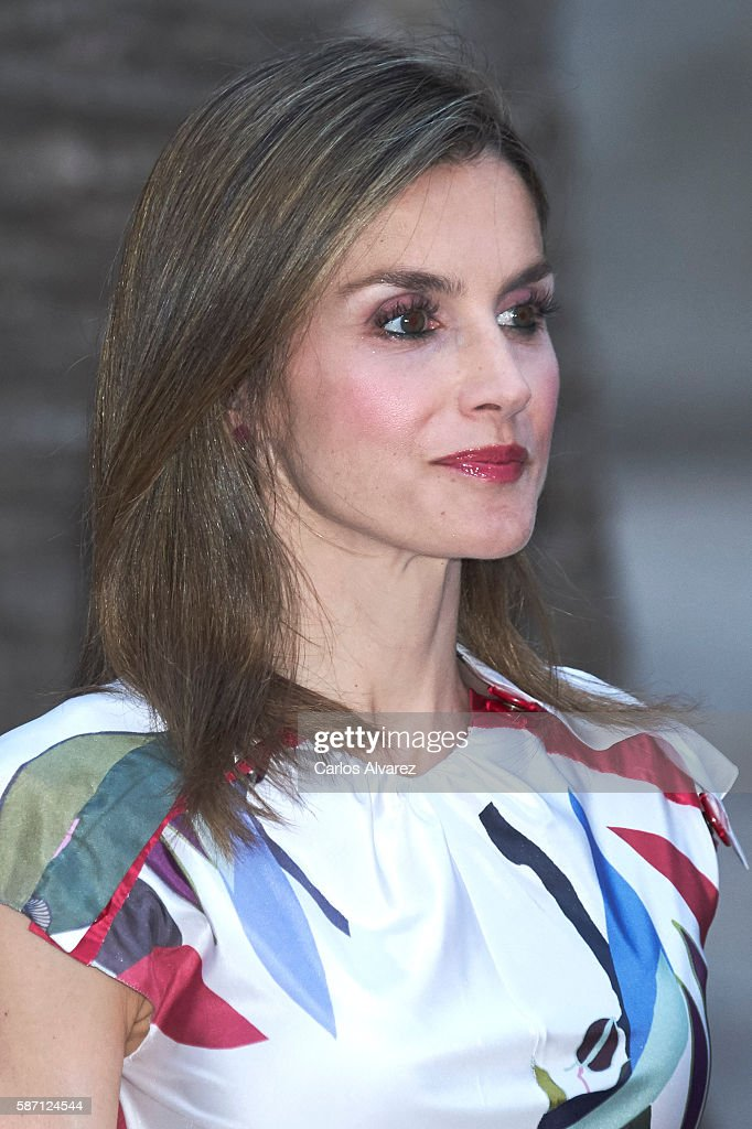 Queen Letizia of Spain attends a official reception at the Almudaina Palace on August 7, 2016 in Palma de Mallorca, Spain.