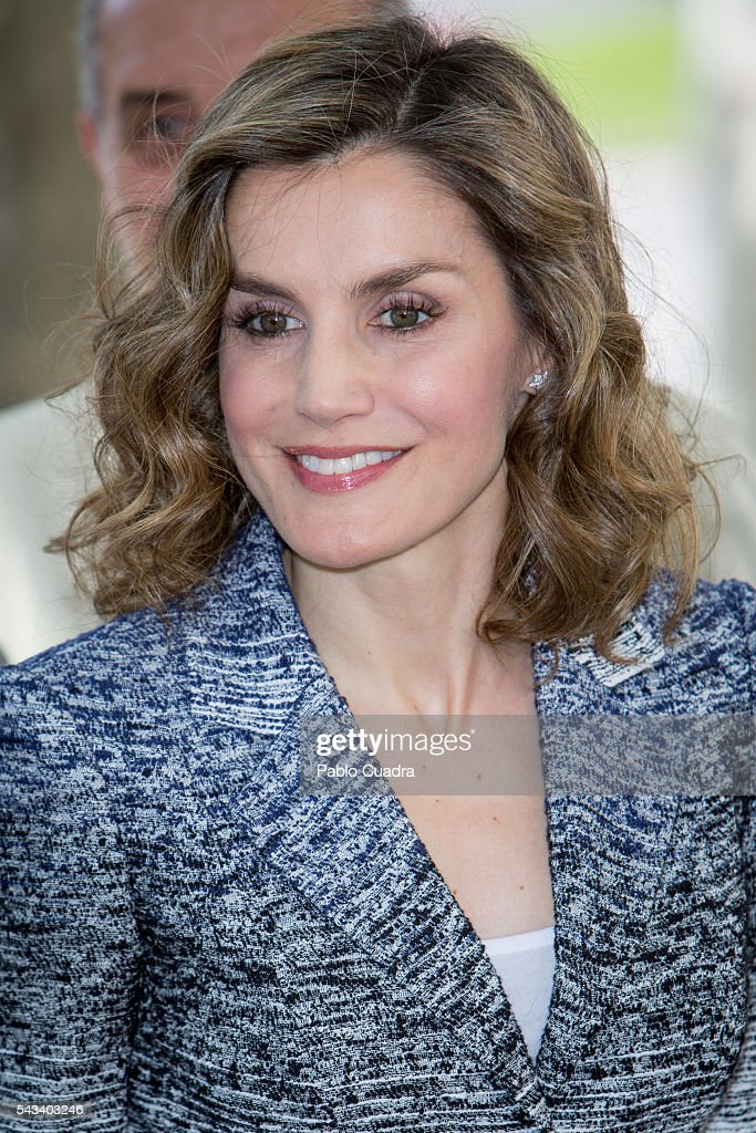 Queen <a gi-track='captionPersonalityLinkClicked' href=/galleries/search?phrase=Letizia+of+Spain&family=editorial&specificpeople=158373 ng-click='$event.stopPropagation()'>Letizia of Spain</a> attends 'Hambre Cero: Es Posible' course at San Lorenzo del Escorial on June 28, 2016 in Madrid, Spain.
