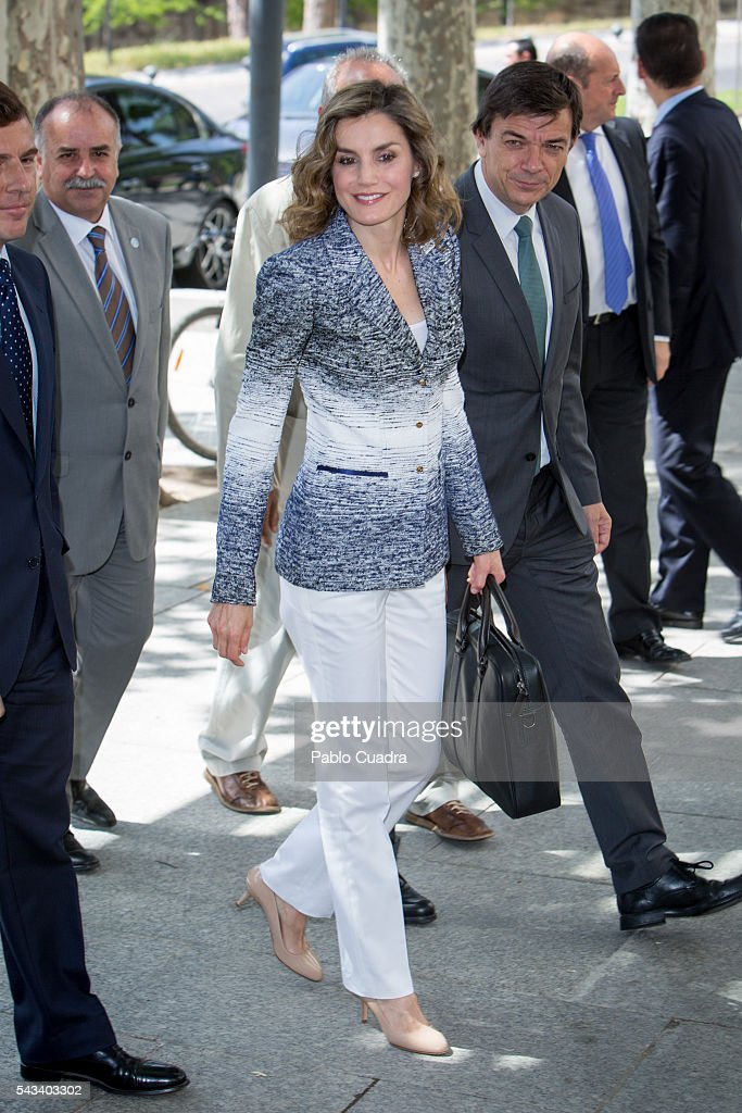 Queen Letizia of Spain attends 'Hambre Cero: Es Posible' course at San Lorenzo del Escorial on June 28, 2016 in Madrid, Spain.