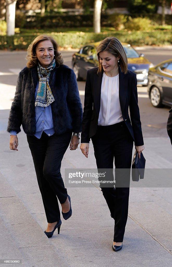 Queen Letizia of Spain (R) attends Nutrigenomica Seminar at Consejo Superior de Investigaciones Cientificas on November 30, 2015 in Madrid, Spain.