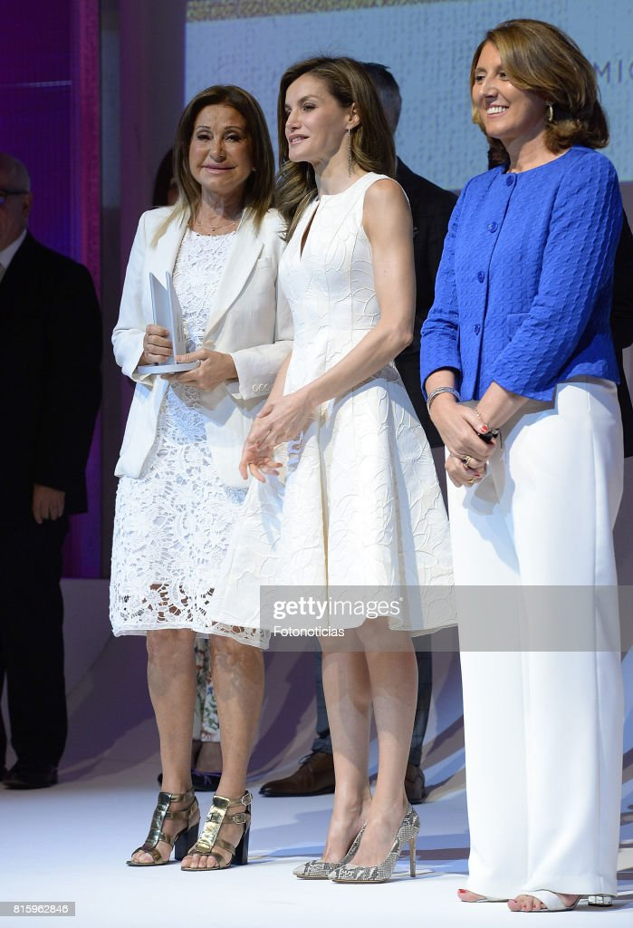 Queen Letizia of Spain (C) attends the 2017 National Fashion Awards at the Museo del Traje on July 17, 2017 in Madrid, Spain.