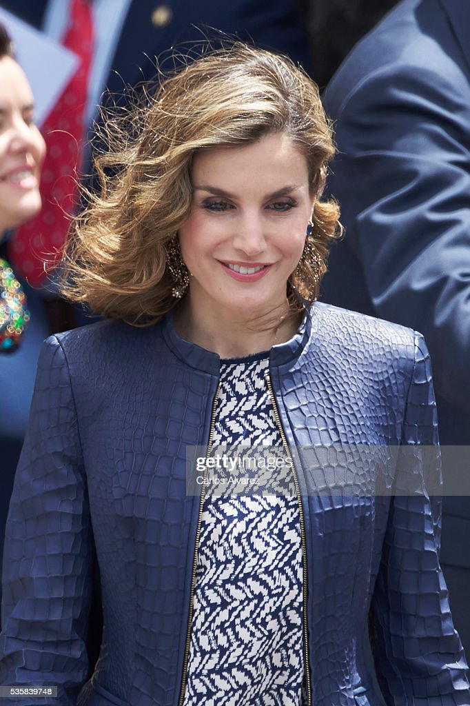 Queen <a gi-track='captionPersonalityLinkClicked' href=/galleries/search?phrase=Letizia+of+Spain&family=editorial&specificpeople=158373 ng-click='$event.stopPropagation()'>Letizia of Spain</a> attends the 'El Bosco' 5th Centenary Anniversary Exhibition at the El Prado Museum on May 27, 2016 in Madrid, Spain.
