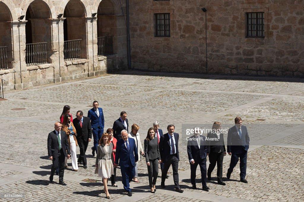 Queen Letizia of Spain (C) attends the inauguration of the 12th International Seminar of Language and Journalism 'Lenguaje Claro, Reto de la Sociedad del Siglo XXI' at the Monastery of Yuso on May 3, 2017 in San Millan de la Cogolla, Spain.
